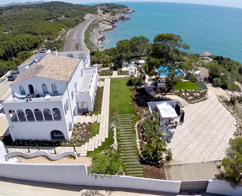 News estudioqbarcelona arquitectura y dise o - Masia casa del mar ...